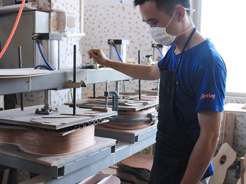 Guitar workshop production line-3