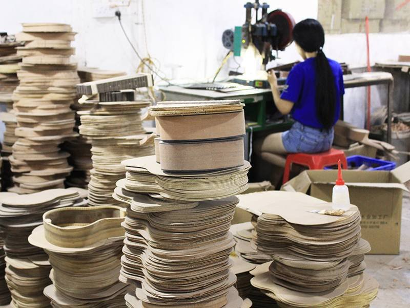 ukulele workshop production line-5